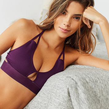 Hailey Seamless T-Back Bra | Urban Outfitters