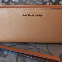 MICHAEL KORS ~Travel Continental SAFFIANO LEATHER Wristlet Wallet~ACORN~TAN $168
