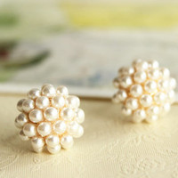 fashion elegant round pearl earring