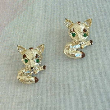 Gerry's Pair of Fox Scatter Pins Green Rhinestone Eyes Vintage Animal Jewelry