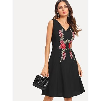 Black V-Neck Sleeveless Floral Print Applique Dress
