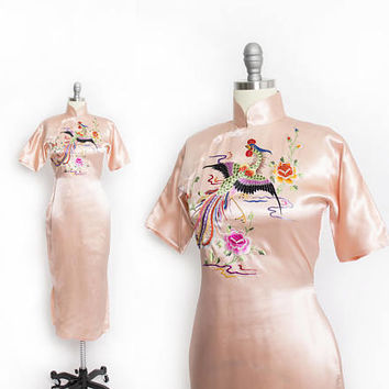 Vintage 1940s Cheongsam Dress - Pink Liquid Satin Hand Embroidered Asian Dress - Small