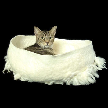 Pet Bed Felted Wool Fleece Cat Basket - Primitive Modern - Polypay Lamb - Supporting American Small Farms - Ready to Ship
