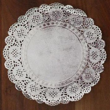 "Pack of 50 Round Paper Foil Doilies in Metallic Silver - 8"" Wide"