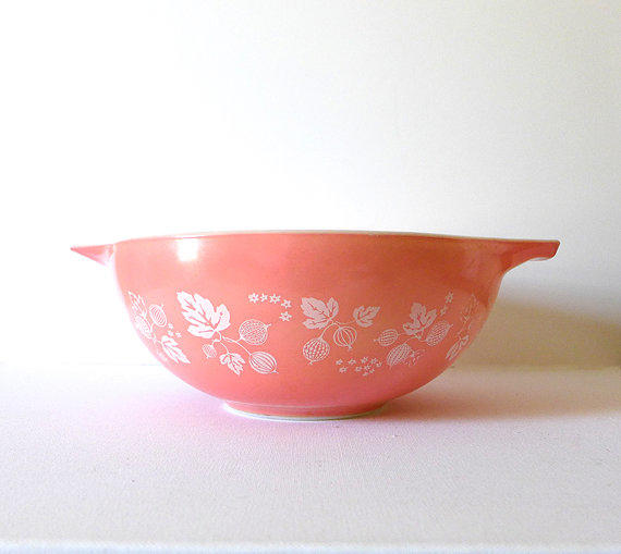 Vintage Kitchen Bowls: Vintage Pink Pyrex Mixing Bowl Pink 4 Qt From CafeChaCha