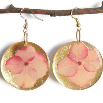 Pressed hydrangea earrings, Pink hydrangeas, Gold earrings, dried flower jewelry, circular earrings, geometric jewelry