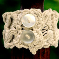 Chic Victorian Inspired Crocheted Cuff in Ecru Cotton Narrow