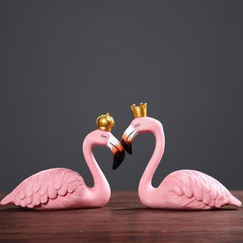Resin Pink Flamingo Home Decor Figure for Girl Ins Home Decor Gifts for Girl Couple ornament Gift King queen Wedding Supplies