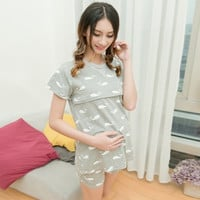 Fashion Pretty Dolphin Printed Summer Maternity Sleepwear Sets Nursing Tops + Belly Shorts Feeding Lounge Clothes for Pregnant Women = 1945771268