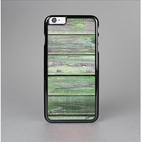 The Wooden Planks with Chipped Green Paint Skin-Sert Case for the Apple iPhone 6 Plus