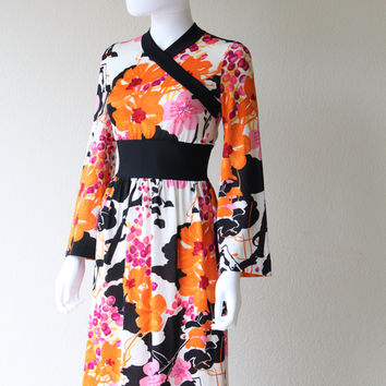 Vintage 1960s Goldworm Psychedelic Asian Inspired Floral Maxi Dress
