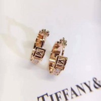 ONETOW Tiffany & Co logo stud New arrival Electroplating of 18 K gold with retro earrings stud gold