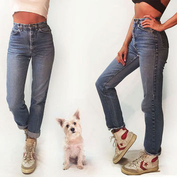 Vintage 1980's Lee High Waisted Boyfriend Jeans || Size 25 to 26 || Size 2 to 4