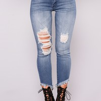 Yenny Ankle Jeans - Medium Blue Wash