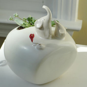 White Elephant planter, Mommy and baby elephants pencil holder, Mother's Day gift, Ceramic elephant planter, Baby and Me, succulent planter