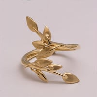 Leaves Ring - 14K Gold Ring, leaf ring, laurel ring in gold, wedding ring, wedding band, statement leaf ring, wrap leaf ring, floral ring,15