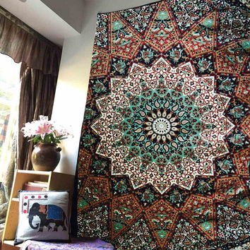 Bohemian Wall Hanging Tapestry 210X145cm Indian Mandala Bedsheets Throw Mat Picnic Cloth Home Bedroom Decoration Polyester