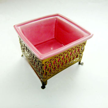 Dark Pink Clay Planter by Wilhite of California with Footed Brass Stand, Mid Century Home Decor, California Pottery