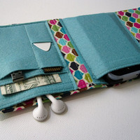Nerd Herder gadget wallet in Meringue Kisses for iPod, Droid, iPhone, MP3, digital camera, smartphone, guitar picks