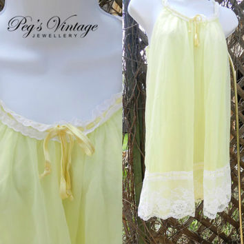 Vintage French Maid Yellow Chiffon Sleeveless Nightgown, Romantic Lace Vintage French Maid Peignoir Lingerie