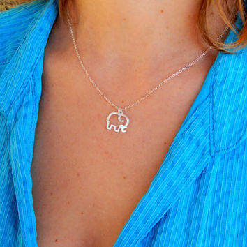 Minimalist sterling silver elephant necklace, everyday simple silver necklace, elephant gentle giant necklace long minimalist mini charm 512