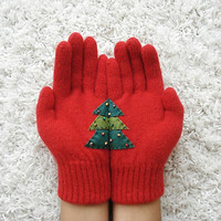 LIMITED, Christmas Tree Gloves, Red Gloves with Green Felt Tree