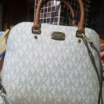 ICIKLO8 MICHAEL KORS $340 CINDY LARGE DOME VANILLA MK LOGO SATCHEL BAG AUTHENTIC Mk