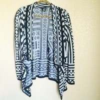 White And Black Open Tribal Print Long Sleeve Cardigan By Rue21 Size M