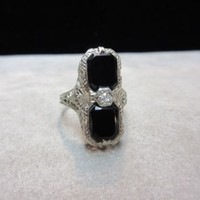 14K WHITE GOLD VINTAGE ONYX RING FILIGREE DIAMOND ART DECO VICTORIAN SIZE 7.5