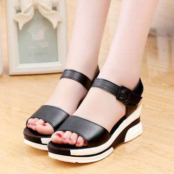 2017 New Summer sandals tide waterproof joker students Shoes wedges with thick bottom female Sandals tidal flat cake