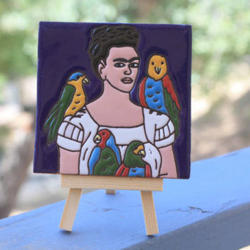 Frida Kahlo Clay Painted Tile with Art Easel | Parrot Edition