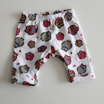 Cute baby leggings with owls. Comfortable pants. Baby boy or girl. Jersey knit fabric. Size NB