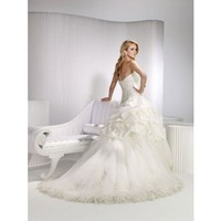 Ball gown sweetheart chapel train charming taffeta with ruffle wedding dress