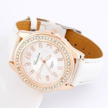 White Casual Ladies Round Dial Leather Women Wrist Watch = 1931967876