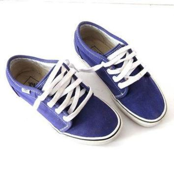 CREYONS vintage Vans tennis shoes. Purple lace up sneakers. Skater shoes. Women's 6
