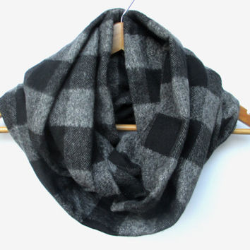Black Charcoal Buffalo Plaid Scarf // Black Plaid Infinity Scarf // Charcoal Gray // Black and Gray // Black Gray Scarf // Neutral //