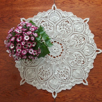 Round table topper 26 inches Crochet beige table topper Big round crochet doily Pineapple table topper Pineapple doily Crochet home decor