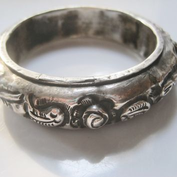 Vintage Miao Chinese Minority Silver Bracelet with Fish Motif