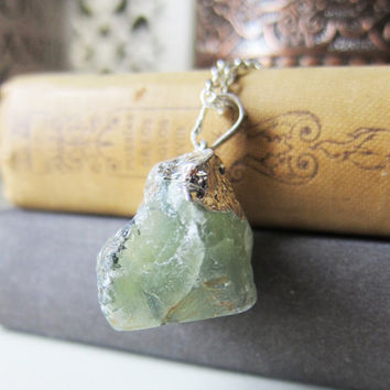 Quartz Necklace Moss Green Geode Gemstone Sage Green Olive Rustic Long Layered Necklace Chunky Big Pendant Raw Natural Drusy Druzy Style