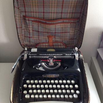 VOSS De Luxe Typewriter Manual Typewriter Portable Working Typewriter M-13 RARE Collectible