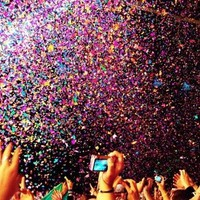 throw some glitter, make it rain♥