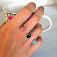 Black pink and teal stone double ring by PlumasUrbanas on Etsy