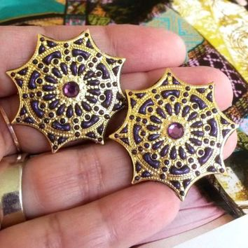 Purple Friendly Plastic Star Web Gold Tone Filigree Stamping Pierced Earrings RS