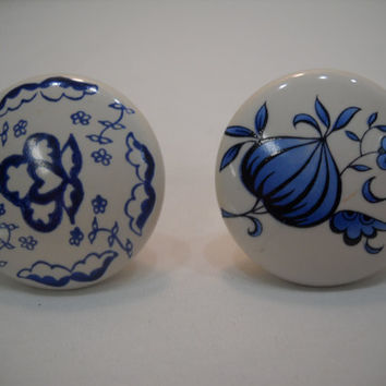Porcelain Blue and White Drawer or Cupboard Pulls Or Handles Set Of 5
