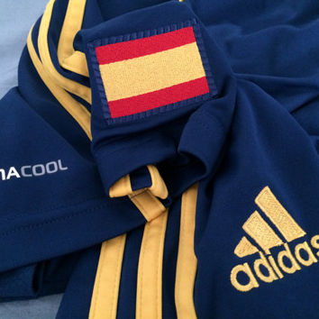 Sale!! Vintage Adidas SPAIN Soccer shorts Size Medium Espana Football Jersey shirt Free shipping within the USA