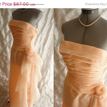ON SALE 80s Dress // Wedding Dress // Vintage 1980s Peaches and Cream Strapless Chiffon Dress by Victor Costa Size XS