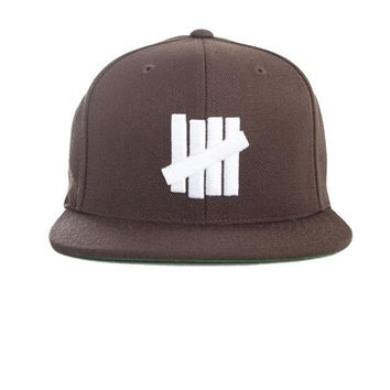 ONETOW Undefeated 5 Strikes Snapback In Chocolate