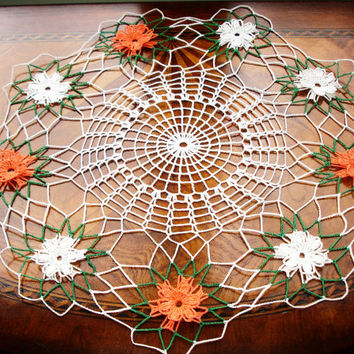 Doily handmade, hand crocheted, doily with flowers, centerpiece doily, white and orange, Fall colors, 1950s decor, halloween, thanksgiving