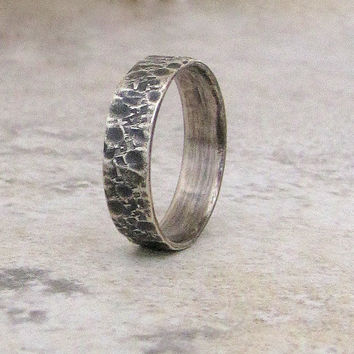 Rustic Wedding Band Mens Hammered Ring Silver Mens Wedding Band Distressed Wedding Ring