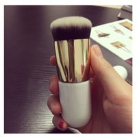 Nylon Hair Wooden Handle Ultra Plush Powder Brush White & Golden